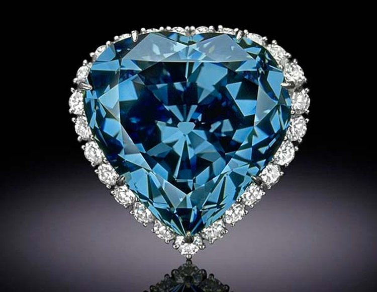 30.62-Carat 'Blue Heart Diamond' Is One of the Most Popular — and Prettiest — Gems of the Smithsonian