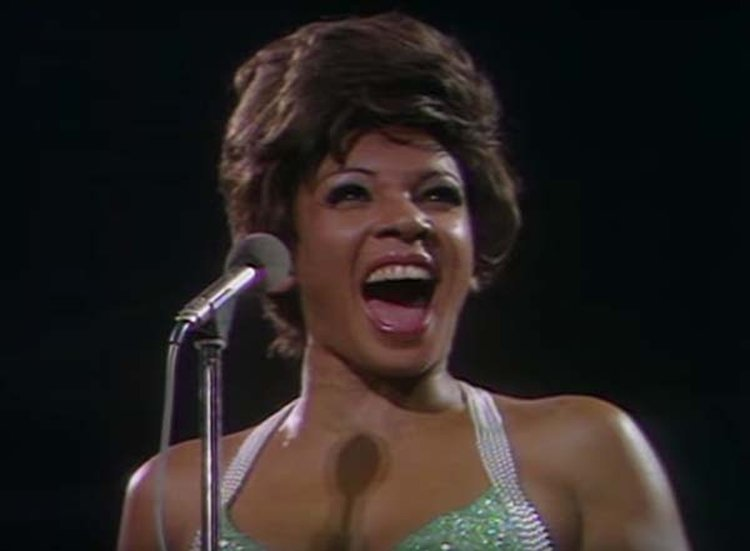 Music Friday: Shirley Bassey Nearly Passed Out Holding the Climactic Final Note of 'Goldfinger'
