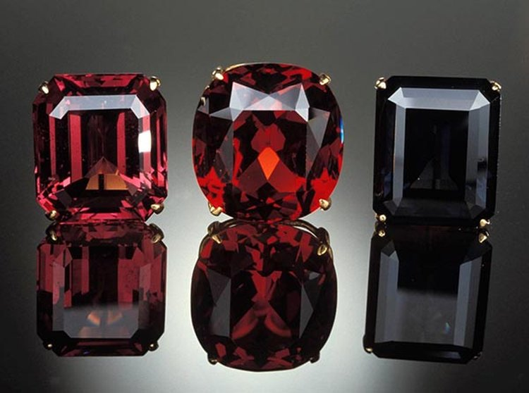 3d0fe759d7a Did You Know That Spinel Is an Official Birthstone for the Month of August